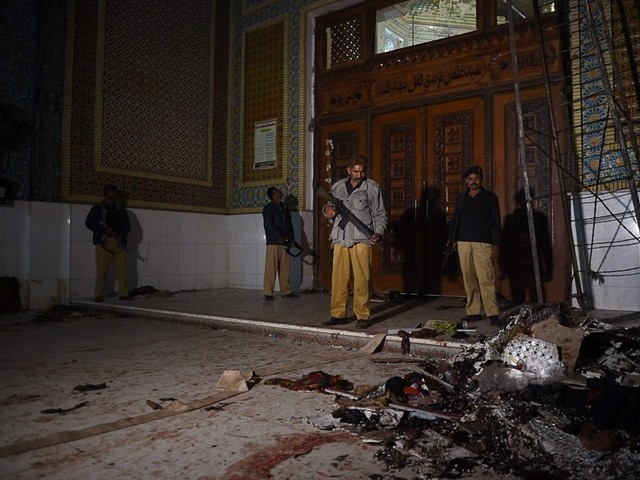 سزا پانے والے مجرموں نے سہون دھماکے سے ایک دن قبل خودکش حملہ آور کے ساتھ ریکی کی تھی۔ فوٹو: فائل