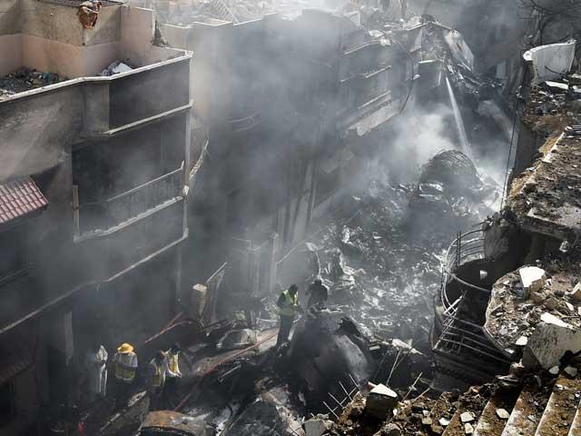 سیفٹی انوسٹی گیشن بورڈ نے تباہ ہونے والے جہاز کے اہم حصے تحویل میں لے لئے ہیں۔: فوٹو: اے ایف پی