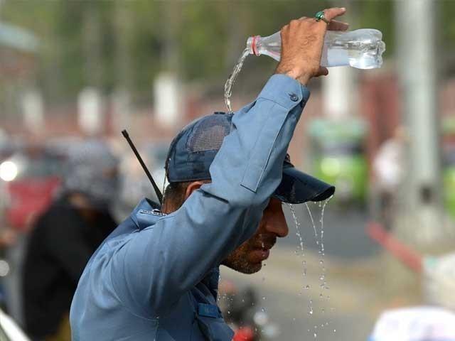سندھ میں پارہ 48 جبکہ لاہور 43 ڈگری سینٹی تک ہونے کا امکان ہے، محکمہ موسمیات فوٹوفائل