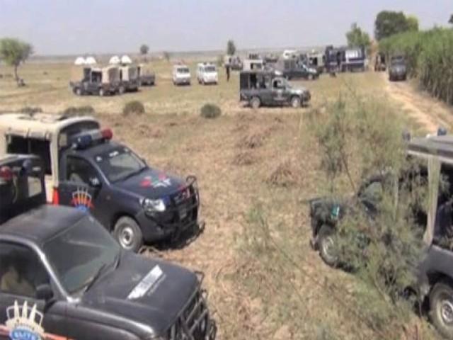 ڈاکوؤں نے ہیڈ کانسٹیبل سمیت 3 افراد کو چوکی سونمیانی سے اغوا کیا، پولیس ذرائع۔ فوٹو : فائل