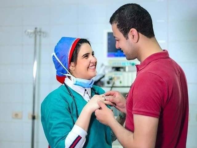مصر کے نوجوان محمد فہمی کو کورونا وائرس کا شکار ہونے کے باعث علاج کے لیے اسپتال میں داخل کیا گیا تھا