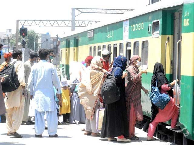 مزید 5 ٹرینوں کو بھی چلانے کی اجازت دیے جانے کا امکان ہے۔