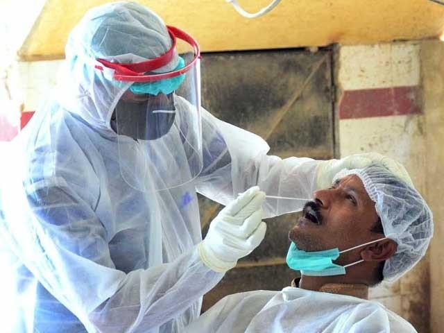 ملک بھر میں کورونا سے متاثرہ  28 ہزار 923 افراد  صحتیاب ہو گئے ہیں فوٹو: فائل