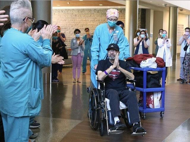 مائیکل فلور 2 ماہ تک اسپتال میں زیر علاج رہے جو کہ سویڈن میں ایک ریکارڈ ہے، فوٹو : سیئٹل ٹائمز