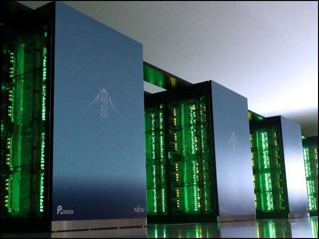 فُوگاکُو دنیا کا پہلا طاقتور ترین سپر کمپیوٹر ہے جسے اے آر ایم ٹیکنالوجی کی بنیاد پر تیار کیا گیا ہے۔ (فوٹو: فیوجیتسو/ رائیکن)