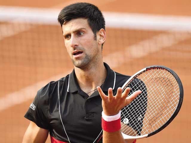 ٹینس اسٹار کو ایونٹس کرانے پرکورونا وائرس کے پھیلاؤ کا باعث قرار دیتے ہوئے شدید تنقید کا نشانہ بنایا جا رہا ہے۔ فوٹو: فائل