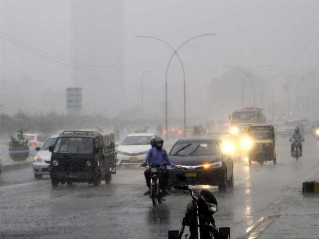 شہر میں سب سے زیادہ بارش صدر میں 42 ملی میٹر ریکارڈ کی گئی ہے.فوٹو، فائل