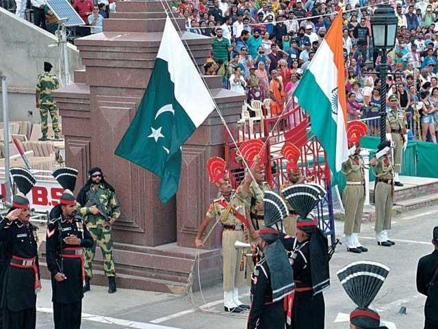 بھارت میں پھنسے پاکستانیوں میں سے زیادہ ترکا تعلق کراچی اور اندرون سندھ سے ہے فوٹو: فائل