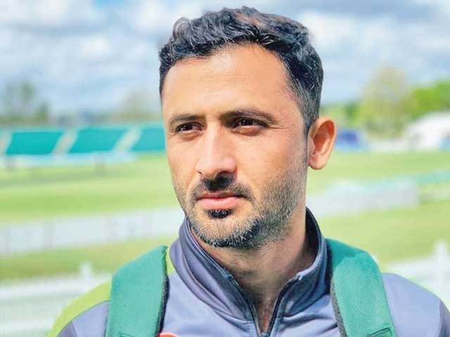 www.cricketpakistan.com.pk کے پروگرام ''کرکٹ کارنر ود سلیم خالق'' میں گفتگو۔ فوٹو: ایکسپریس