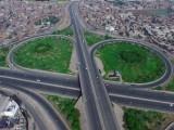 نیا شہر دبئی کی طرز پر بسایا جائے گا اور ایک لاکھ ایکڑ سے زائد رقبے پر بنایا جائے گا۔ فوٹو:فائل