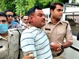 وکاس دوبے وزیر اور پولیس اہلکاروں کے قتل، اقدام قتل، ڈکیتی سمیت 60 سنگین مقدمات میں اشتہاری تھا