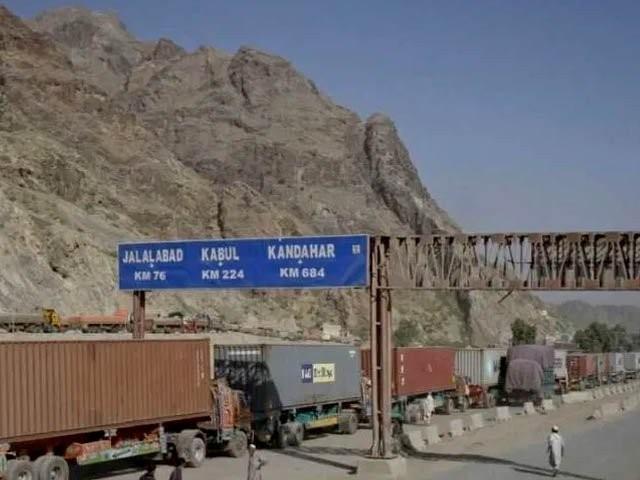پاک افغان تجارت کے لیےاہم انگور اڈا کھول دیا گیا (فوٹو : انٹرنیٹ)