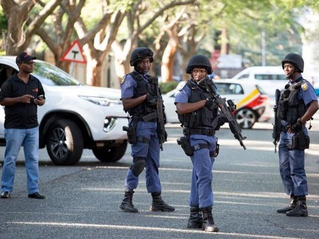 40 حملہ آوروں کو گرفتار کرکے چرچ سے یرغمال افراد کو بھی بازیاب کروالیا گیا ہے، پولیس۔ فوٹو : فائل