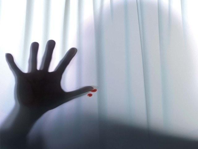 پولیس نے زیادتی کے ملزم کو عدالت میں پیش کرکے تین روز کا ریمانڈ حاصل کرلیا۔ فوٹو، فائل