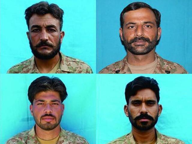 سپاہی محمد اسماعیل خان،  محمد شہباز یاسین،  راجا وحید احمد اور سپاہی رضوان خان شہید ہوئے۔ ۔فوٹو، آئی ایس پی آر۔