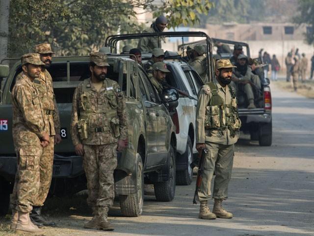 سیکیورٹی فورسز نے علاقے کو گھیرے میں لے کر سرچ آپریشن شروع کردیا ہے، آئی ایس پی آر۔ فوٹو:فائل