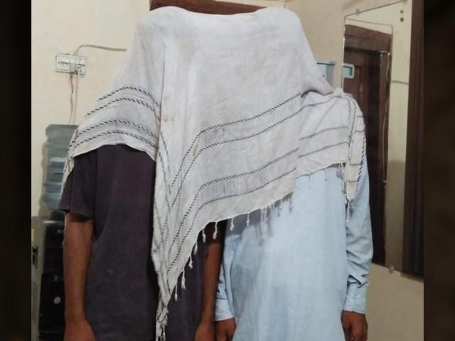 بہن کو سلیم سے گھر والوں کی مرضی کے خلاف شادی کرنے پر غیرت کے نام پر قتل کیا، ملزم (فوٹو: فائل)
