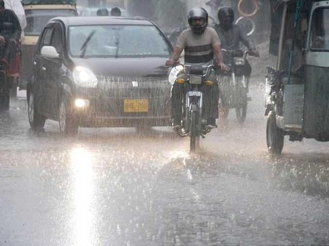 بارش کے باعث نشیبی مقامات پر ایک بار پھر پانی جمع ہونا شروع ہوگیافوٹوفائل