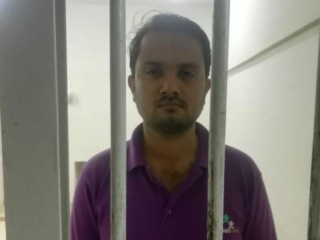 ملزم شعیب کو سن 2017 میں بھی گرفتار کیا گیا تھا تاہم ضمانت پر رہا ہو کر درجنوں فیک آئی ڈیز بنائیں، ایف آئی اے۔( فوٹو، اسٹاف )