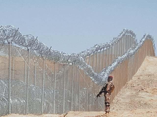 سرحد پارسے پاک افغان بارڈرپرسیکورٹی فورسزپردہشت گردوں نے حملہ کیا، آئی ایس پی آر
