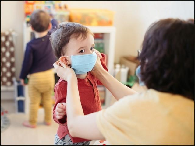 پانچ سال سے کم عمر بچوں سے کورونا وائرس پھیلنے کا خطرہ بھی بہت زیادہ ہے