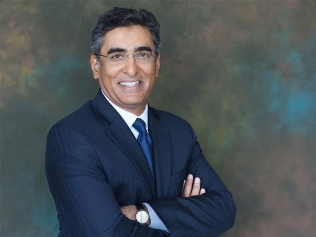 اسٹینڈرڈ چارٹرڈ کے لیے پاکستان ہمیشہ ایک اہم مارکیٹ رہا ہے، ریحان شیخ۔ فوٹو: ایکسپریس