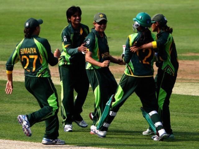 25 خواتين کرکٹرز کو اگست سے اکتوبر تک  ماہانہ 25 ہزار روپے وظیفہ ملے گا۔