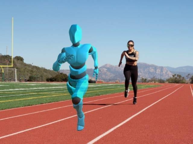 گوسٹ پیسر کی بدولت آپ مجازی طور پر ایک دوست کے ساتھ دوڑتے ہیں۔ فوٹو: گوسٹ پیسر