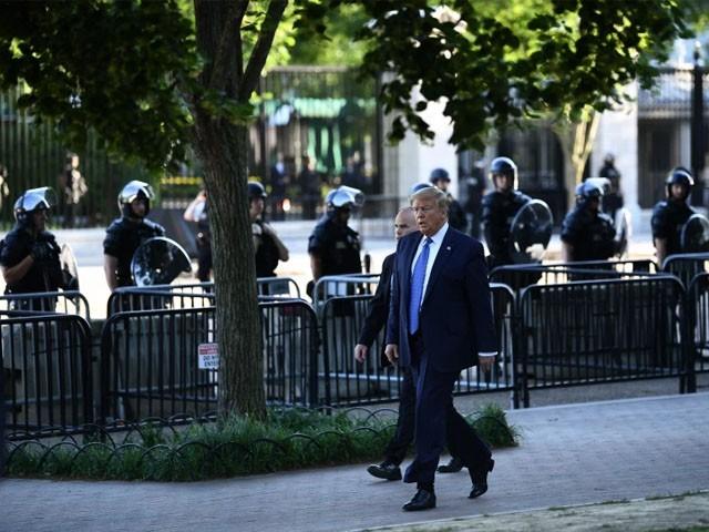 سیکرٹ سروس گارڈز نے وائٹ ہاؤس کے باہر مسلح شخص کو گولی مار کر زخمی کیا، امریکی میڈیا۔ فوٹو : فائل