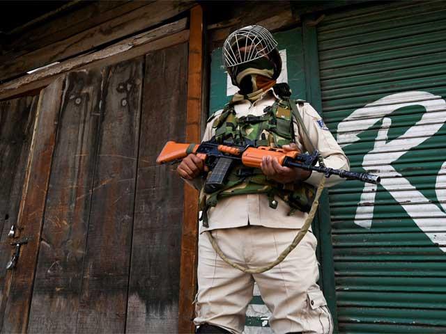 بھارتی فوج نے جعلی مقابلے میں فائرنگ کرکے ایک کشمیری نوجوان کو شہید کردیا