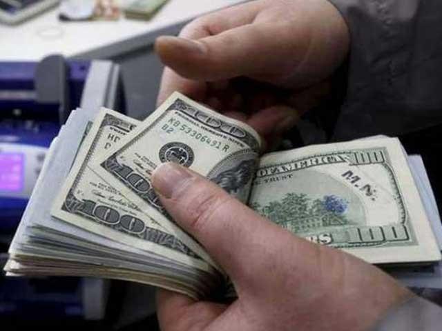 انٹربینک میں ڈالر کی قیمت 14 پیسے اور اوپن مارکیٹ میں 10 پیسے گھٹ گئی