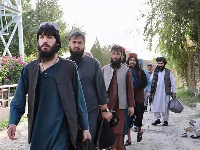 پہلے مرحلے میں 80 طالبان جنگجوؤں کو رہا کیا گیا، فوٹو : اے ایف پی