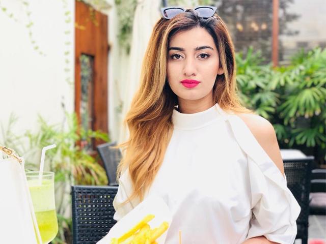 ماہا علی کلفٹن میں ایک نجی اسپتال میں ڈاکٹر تھی۔ فوٹو: سوشل میڈیا