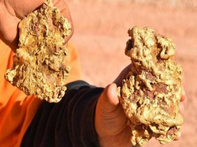 ساڑھے تین کلو وزنی پتھروں کی مالیت ڈھائی لاکھ امریکی ڈالر سے زیادہ ہے، فوٹو : ڈسکوری چینل
