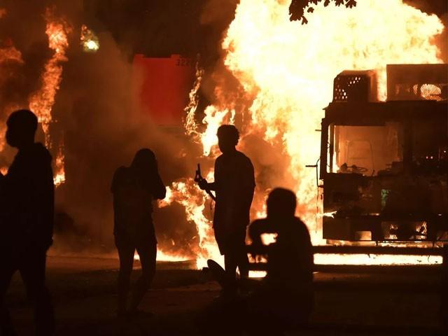 امریکی ریاست وسکونسن میں سیاہ فام شہری کی پولیس کے ہاتھوں ہلاکت پر تین روز پُرتشدد مظاہرے جاری ہیں، فوٹو : فائل