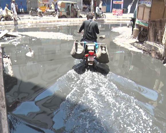 Karachi liyari sawrage water 12