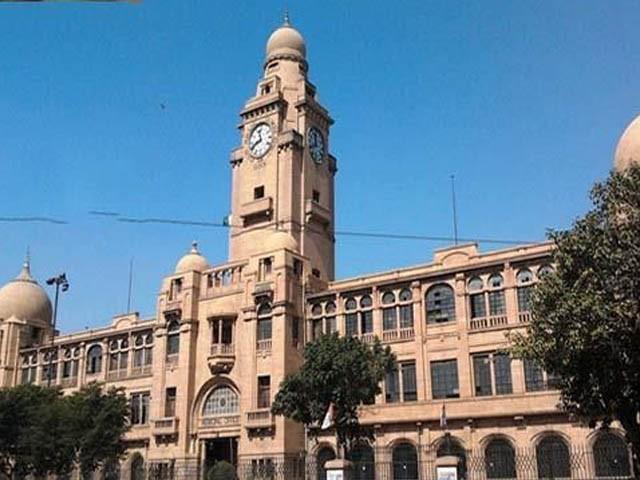 سندھ بھر کے ڈپٹی کمشنرز کو متعلقہ ڈسٹرکٹ کونسلز میں ایڈمنسٹریٹر مقرر کرنے کا فیصلہ کیا گیا ہے (فوٹو : فائل)