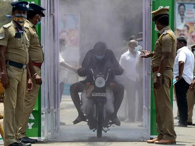 بھارت میں مسلسل پانچ دنوں سے روزانہ 1 ہزار اموات ہورہی ہیں(فوٹو، اے ایف پی)
