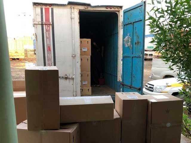 کسٹمز انٹیلیجنس حیدرآباد کے ڈپٹی ڈائریکٹر نے مقدمہ درج کرکے مزدا ٹرک کے ڈرائیور گرفتارکرلیا - فوٹو: ایکسپریس