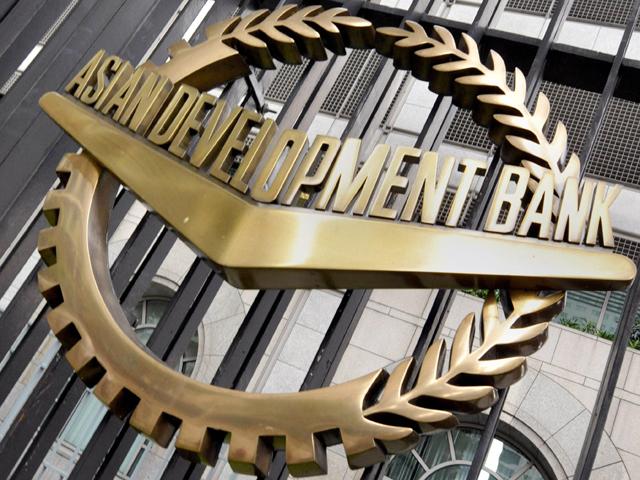 درآمدات میں کمی کے باعث پاکستان کا کرنٹ اکاؤنٹ خسارہ کم ہوا ہے، رپورٹ(فوٹو، فائل)