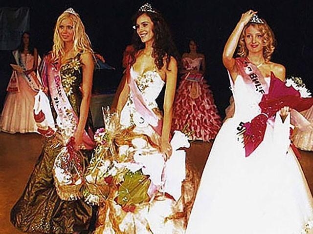 نتالیہ نے 2005 میں اولیانووسک کی ملکہ حسن کا مقابلہ جیتا تھا، فوٹو : فائل