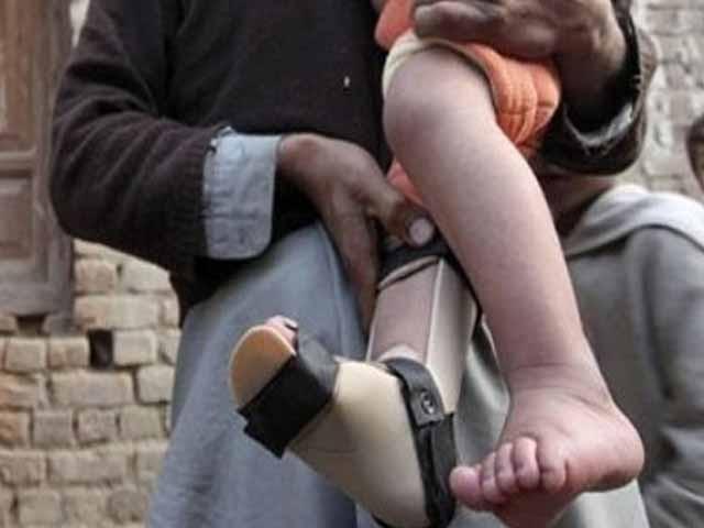 کوئٹہ کے علاقے احمد خانزئی سے 7 ماہ کے بچے میں پولیو وائرس کی تصدیق ہوئی ۔ فوٹو : فائل