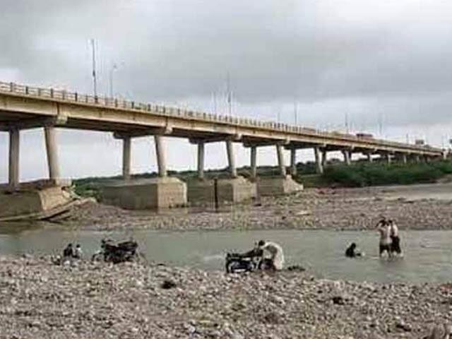 حب ندی کے پل کی مرمت کے اعلان کا بھی خیر مقدم کرتے ہیں، لسبیلہ چیمبر آف کامرس۔ فوٹو: فائل