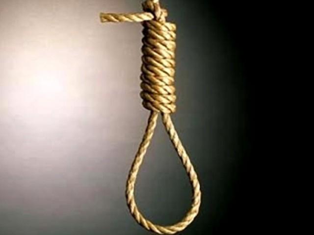 ملزم نے ایک سال قبل چک90  نو ایل کی کالونی میں گلزار احمد کی 7سالہ بچی کو اغوا کر کے ہوس کا نشانہ بنایا اور قتل کردیا۔ فوٹو: فائل
