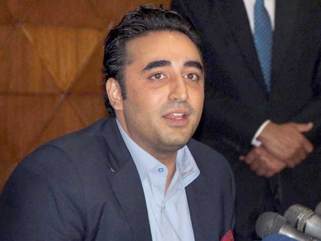 عمران خان نیب کے ذریعے اپوزیشن کے سیاست دانوں کو دباوٴ میں لینے کی کوشش کررہے ہیں، بلاول بھٹو زرداری۔ فوٹو: فائل