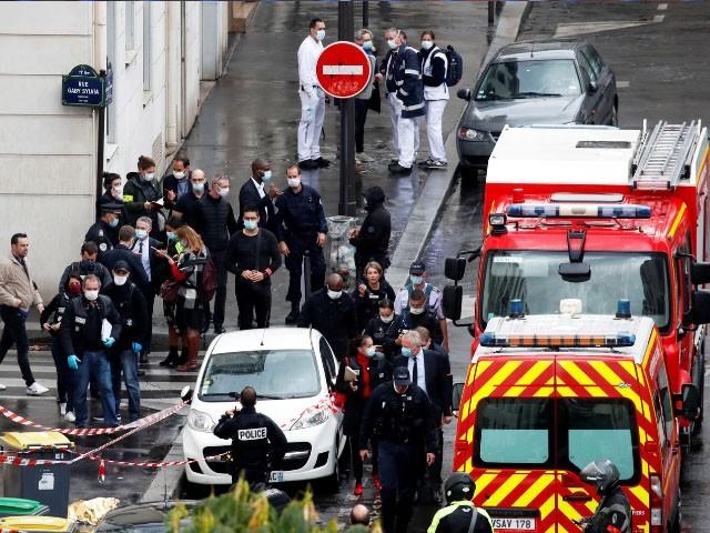2015 میں اسی دفتر پر حملے ،میں 12 افراد ہلاک ہوئے تھے، فوٹو : فائل