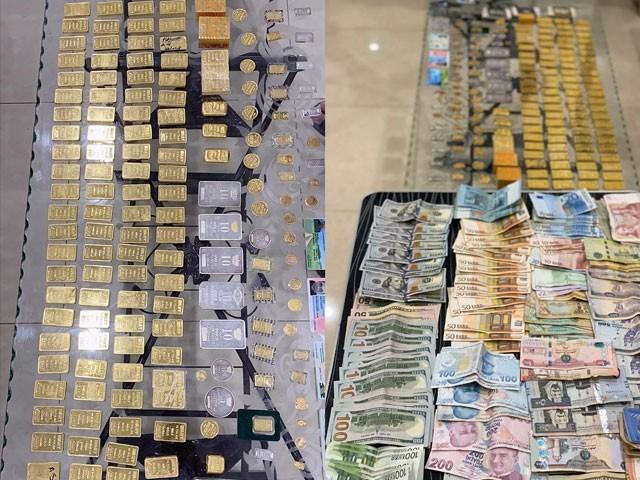 ایف آئی اے نے ملزم کی نشاندہی پر سونا اور نقدی برآمد کی(فوٹو، ریلیز)