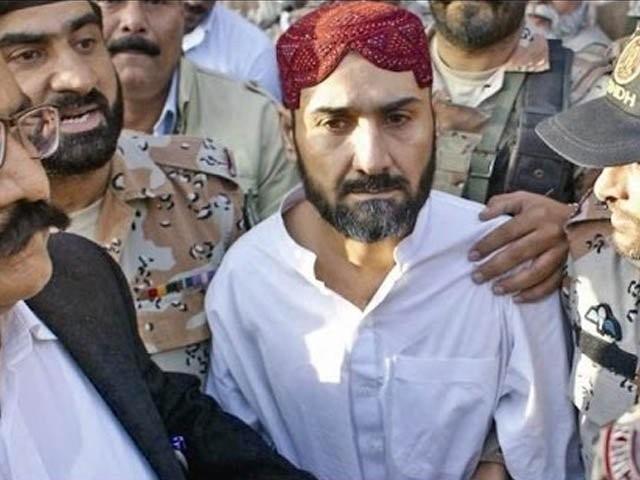 پولیس نے مجرم عُزیر بلوچ کی ایک اور مقدمہ میں گرفتاری حاصل کرلی.  فوٹو: فائل