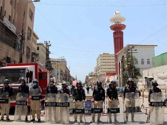 نیشنل کمانڈ اینڈ آپریش سینٹر کراچی میں بڑھتی ہوئی کورونا کیسز پر دبنگنگ دی (فوٹو ، فائل)