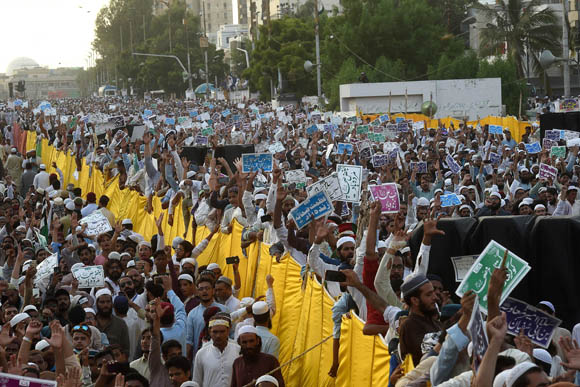 Anti shia protest 4